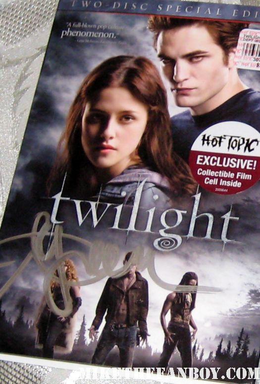 ashley green signed twilight dvd cover rare promo hot sexy alice cullen hot topic event