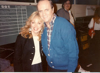the hollywood gal from mike the fanboy with bob newhart on he set of newhart backstage rare promo