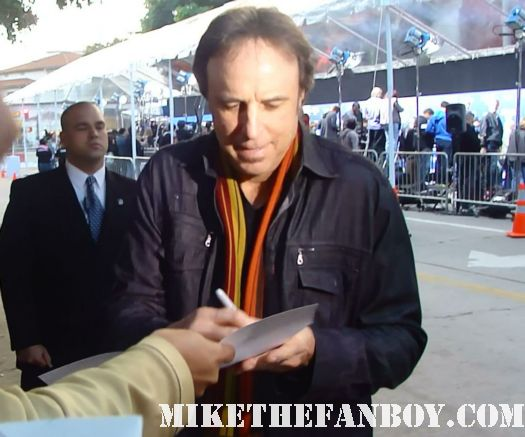 weeds star kevin nealon doug wilson signs autographs at the to the jack and jill world movie premiere the red carpet at the adam sandler supposed comedy jack and jill world movie premiere rare hot sexy david spade katie holmes promo
