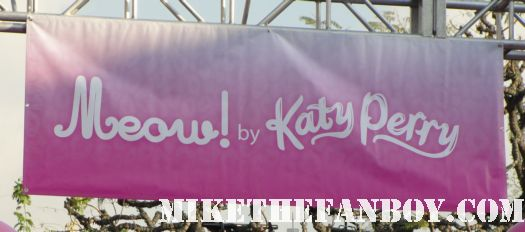 katy perry autograph signing sign at the grove katy perry laminate for meow perfume autograph signing at the grove nordstroms rare promo