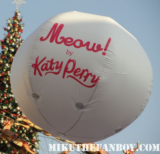 katy perry taping extra with mario lopez katy perry doing a q and a press conference katy perry autograph signing sign at the grove katy perry laminate for meow perfume autograph signing at the grove nordstroms rare promo