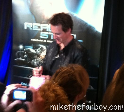 Jules Lund signing Jules Lund signed autograph Jules Lund siging 4 me FiFi Box signed autograph FiFi Box Signing autographs Haley Bracken signed autograph index card Haley Bracken signing Rhiannon Fish signed autograph Rhiannon Fish signing autographs for fans at the real steel australian movie premiere with hugh jackman signing autographs for fans rare promo