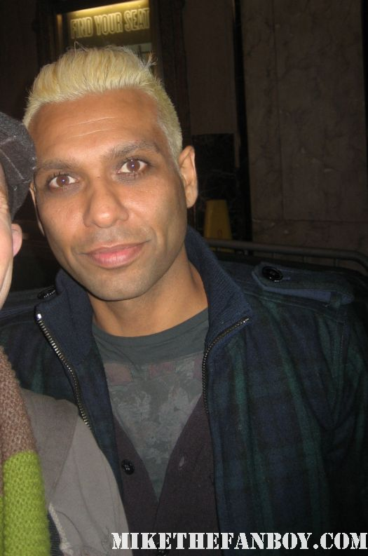 Tony Kanal posing for fans at the cure show in hollywood no doubt rare promo signed autograph