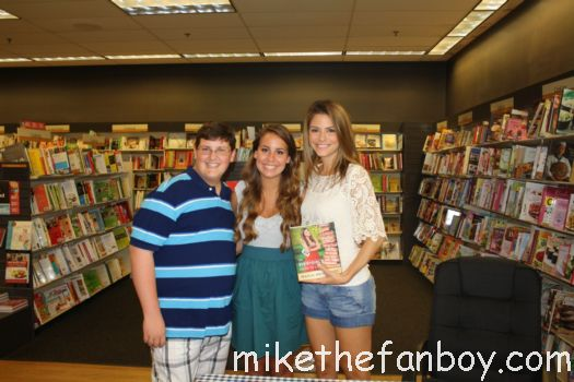 dallas takes a photo with EXTRA TV Host, Maria Menounos hosts a book signing for The Every girl's Guide to Life