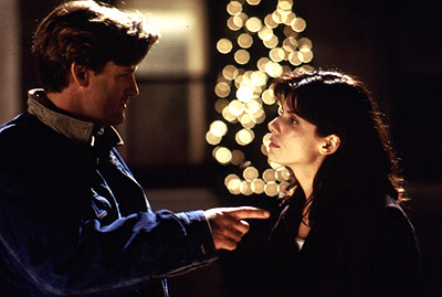 sandra bullock and bull pullman in a promotional still from when you were sleeping rare christmas hot sexy sandra bullock