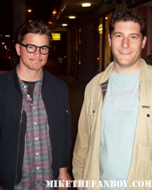 Mike the fanboy with the faculty star josh hartnett at the movie premiere of breaking upwards rare promo hot sexy fan photo