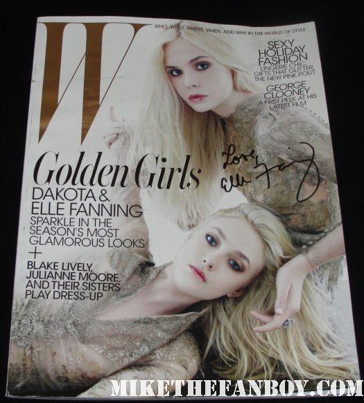 w magazine hand signed by elle fanning and dakota fanning rare promo hot sexy magazine cove rare promo