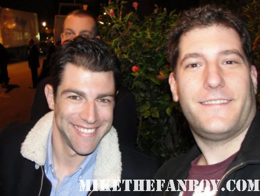 mike the fanboy with new girl and veronica mars star max greenfield Max Greenfield from The New Girl stops to sign autographs at the fox all star party rare sexy hot veronica mars star deputy leo sexy hot