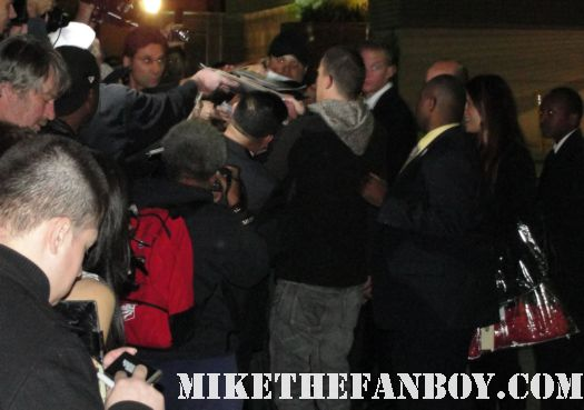 channing tatum signing autographs for fans after the jimmy kimmel show in hollywood