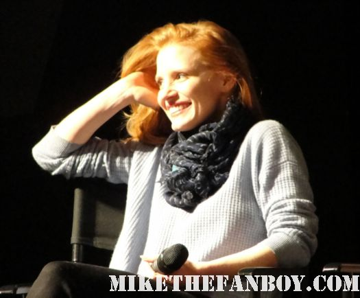 jessica chastain at the sag awards q and a for the help signed autograph ACTORS GONE WILD For The Cast Of The Help At SAG Awards Cast Q and A! Emma Stone! Jessica Chastain! Octavia Spencer! Viola Davis! Tate Taylor! Autographs and More!