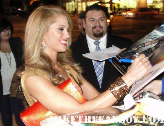 Ellen Hollman signing autographs at the spartacus vengeance world movie premiere hot sexy saya