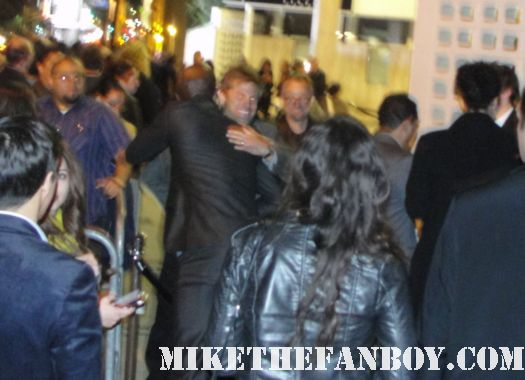 Peter Mensah signing autographs for fans after the spartacus world movie premiere rare hot sexy