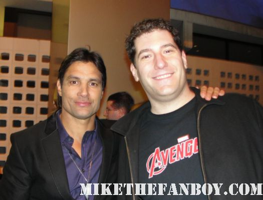 mike the fanboy with spartacus vengeance star manu bennett rare hot sexy gladiator spartacus blood and sand