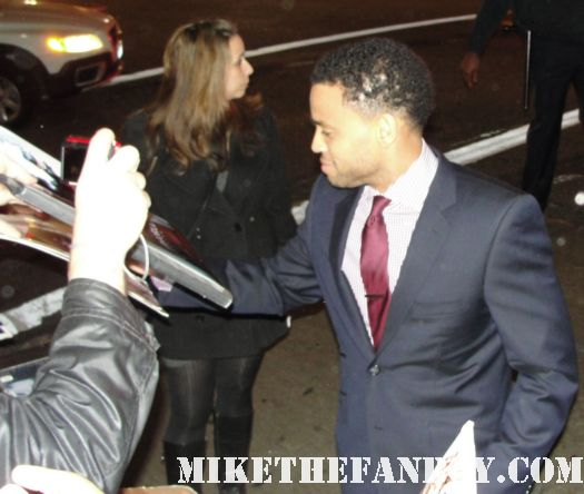 Michael Ealy signing autographs for fans at the underworld awakening movie premiere rare