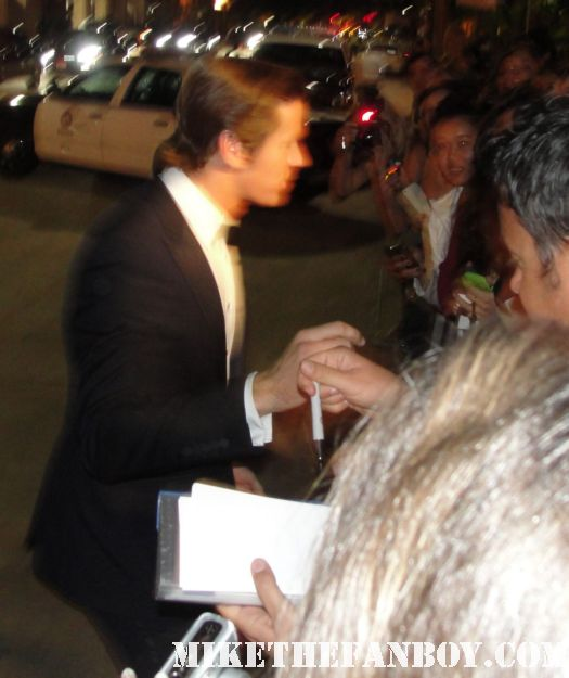 armie hammer signing autographs for fans at the sag awards hot and sexy prince charming the social network mirror mirror