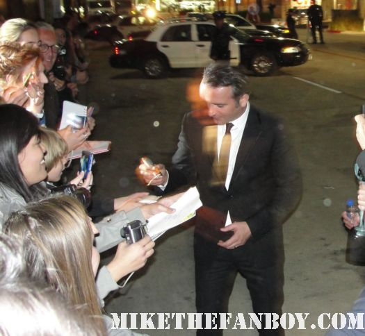 Jean Dujardin hot and sexy french the artist star signing autographs for fans at the sag awards