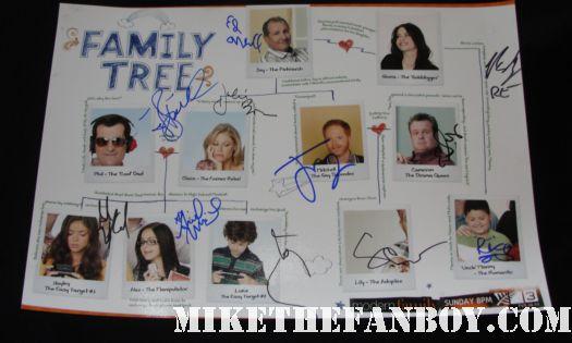 sofia vergara signed autograph promo modern family cast poster family tree rare hot jesse tyler ferguson ed oneil