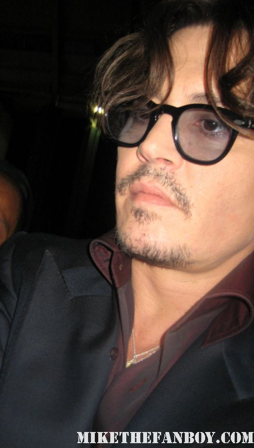 johnny depp signing autographs for fans at the rum diary world movie premiere hot sexy benny and joon