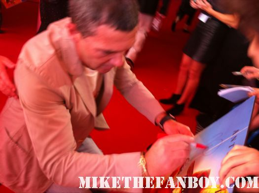 antonio Banderas signing autographs at the puss in boots australian movie premiere rare promo hot sexy photo shoot