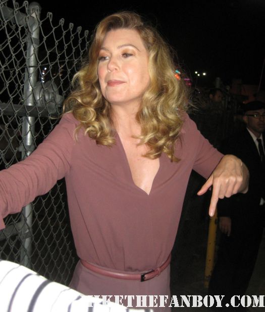 Don't You Play With Me CB! ellen pompeo yells at an autograph collector from mike the fanboy Ellen Pompeo signs autographs for fans waiting after a taping of jimmy kimmel live on ABC Meredith grey from grey's anatomy sexy hot rare promo photoshoot