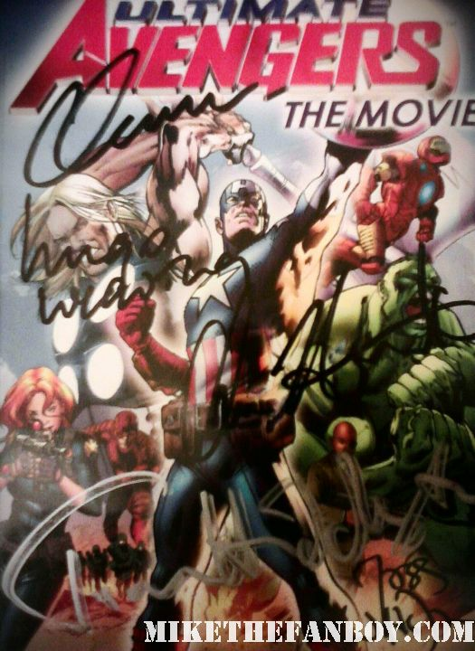 chris hemsworth chris evans tom hiddleston hugo weaving joss whedon avengers signed autograph avengers comic book rare promo