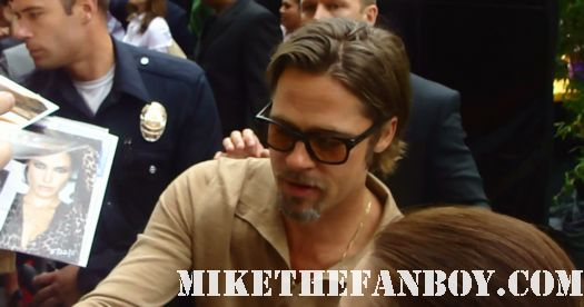 brad pitt sexy hot rare signing autographs for fans at a movie premiere with angelina jolie
