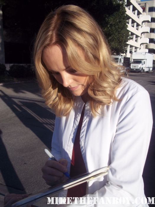 Watchmen and The Comeback star Malin Akerman stops to sign autographs for fans looking hot and sexy the proposal rare, promo photo shoot hot naked
