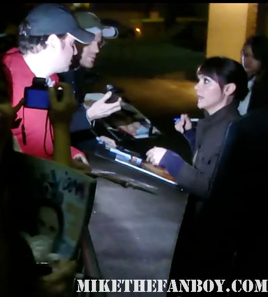 christina ricci signing autographs for fans after the jimmy kimmel show promoting pan am rare promo hot sexy photo shoot