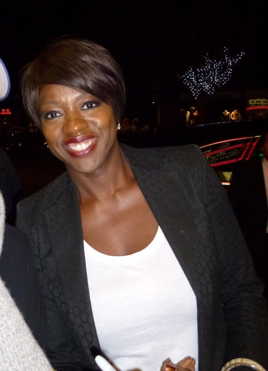 Viola Davis poses with a fan at a screening of the help at the aero theatre in santa monica ca signed autograph hot sexy rare doubt