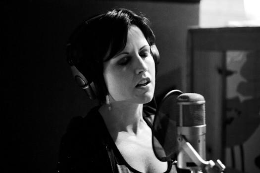dolores o'riordan recording the new cranberries album roses 2012 promo press still cd cover promo hot sexy rare