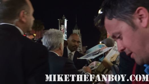 Dustin Hoffman Signs Autographs for fans at the luck world premiere HBO horse racing series rare promo