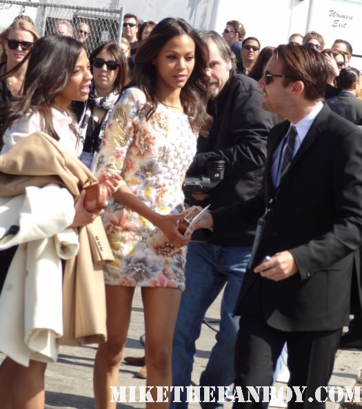 zoe saldana  from star trek hot sexy signs autographs for fans at the  Independent Spirit Awards 2012