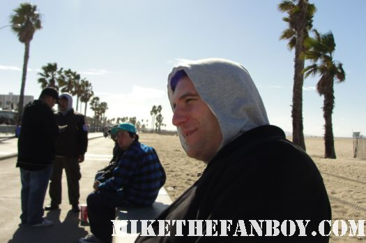 mike the fanboy freezing his ass off at the the howling wind blows a palm tree at the 2011 Independent Spirit Awards 2011 the others practical magic