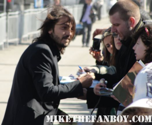 diego luna  hot sexy signing autographs for fans at the 2011 Independent Spirit Awards 2011 milk yu tu mama tambien