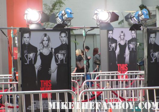 this means war movie premiere red carpet with reese witherspoon tom hardy chris pine rare hot