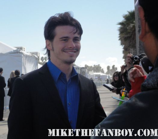 jason ritter hot sexy signing autographs for fans at the 2011 Independent Spirit Awards 2011 best in show glee rare