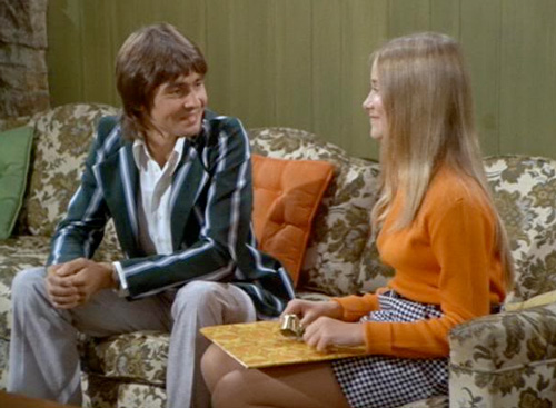 davy-jones-brady-bunch 1330538541_davy-jones-article davy jones from the monkees rare promo press still hot sexy singing sensation daydream believer maureen mccormick
