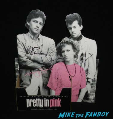 pretty in pink counter standee stand up promo die cut signed autograph molly ringwald jon cryer harry dean stanton annie potts promo poster art movie poster molly ringwald signing autographs for fans 008