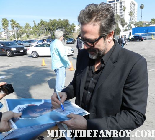 jeffrey dean morgan from watchmen hot sexy signs autographs for fans at the  Independent Spirit Awards 2012