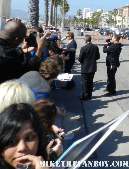 simon baker hot sexy signs autographs for fans at the  Independent Spirit Awards 2012