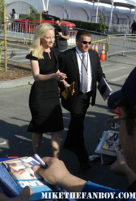 anne heche hot sexy signs autographs for fans at the  Independent Spirit Awards 2012