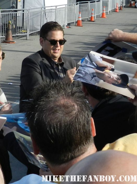 jonah hill hot sexy signs autographs for fans at the Independent Spirit Awards 2012