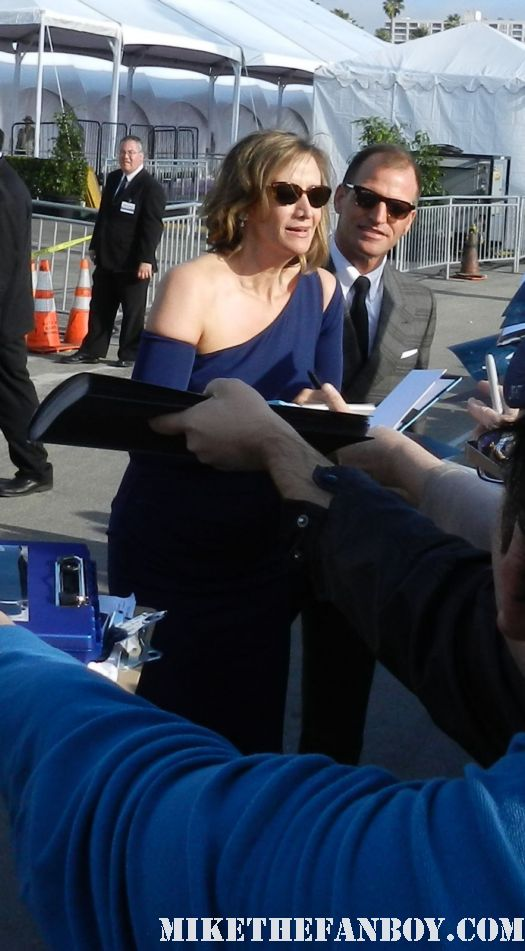janet mcteer hot sexy signs autographs for fans at the  Independent Spirit Awards 2012