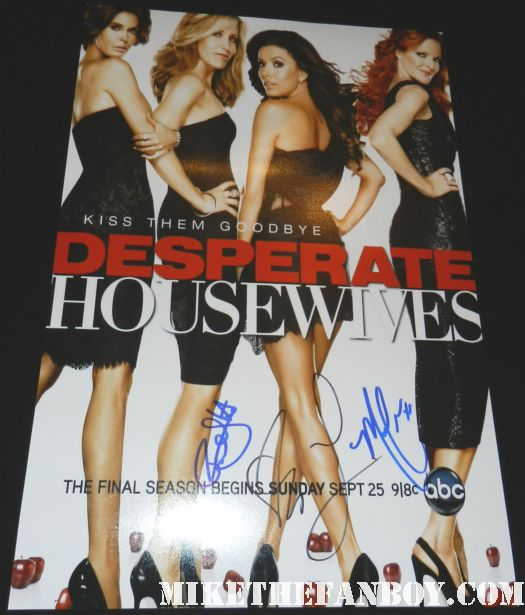 desperate housewives final season 8 poster signed autograph kiss them goodbye felicity huffman marcia cross eva longoria