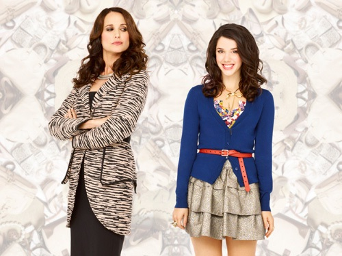 andie MacDowell and Erica Dasher in a promo press still for Jane by design on abc family rare promo press still hot rare