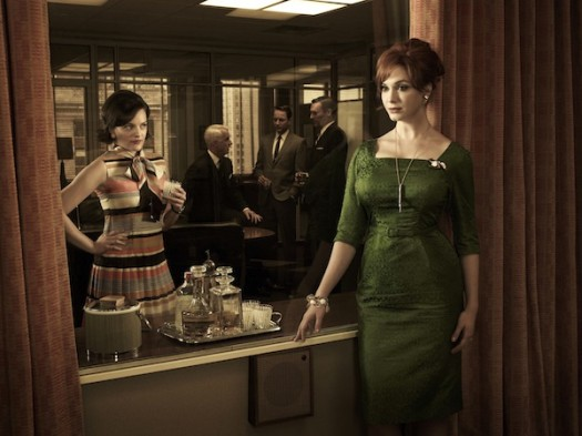 mad men season 5 rare cast photo photo press still christina hendricks joan elizabeth moss peggy olson