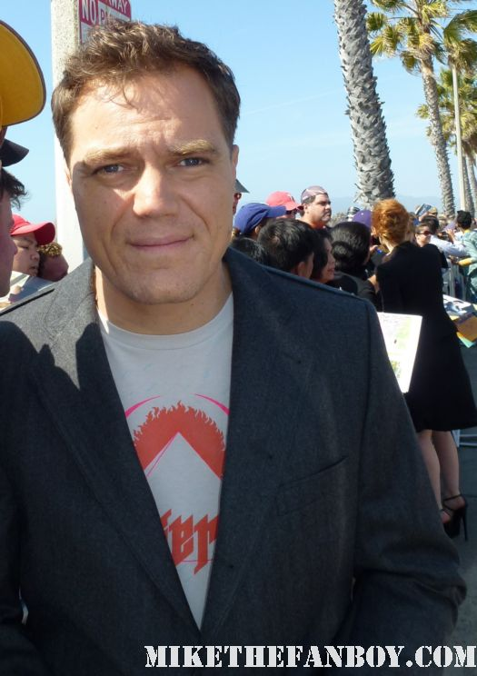 Michael Shannon  signing autographs for fans at the indie spirit awards and posing for fan photos