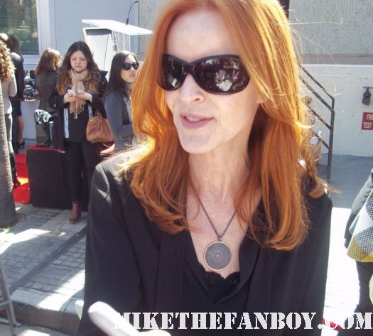 Marcia cross signing autographs for fans at william h macy and felicity huffman walk of fame star ceremony report autographs signing rare promo