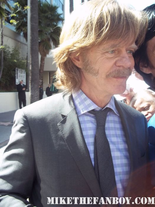 william h macy signing autographs for fans at william h macy and felicity huffman walk of fame star ceremony report autographs signing rare promo