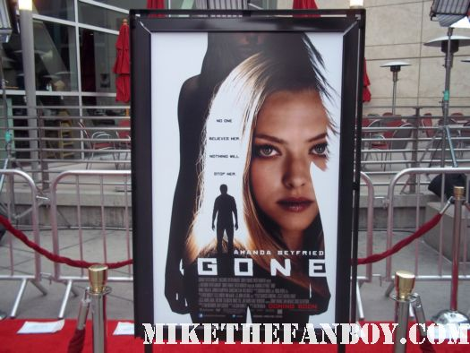 Gone More premiere red carpet with amanda seyfried jennfer carpenter wes bentley autographs hot sexy photo shoot